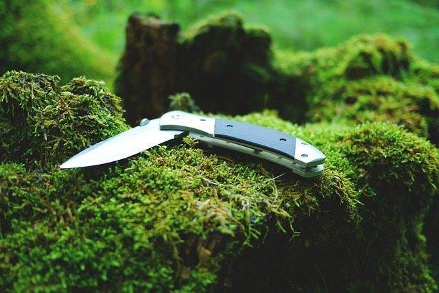 knife outdoor